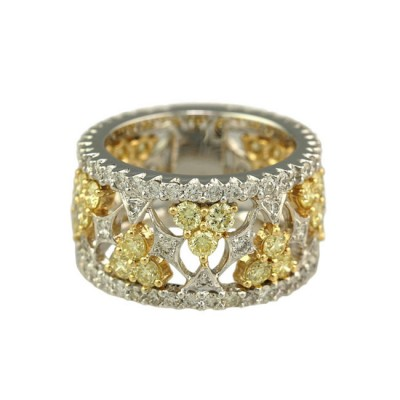 """Lamballe"" Diamond Ring"