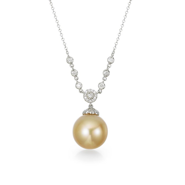 """Ocarina"" Pearl Necklace"